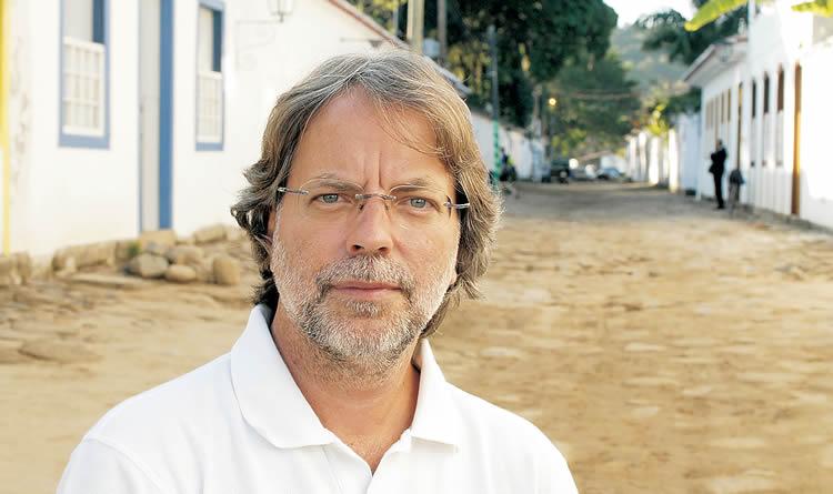 Mia Couto, Pod stablom frangipanija, Mozambik, knjige, književnost